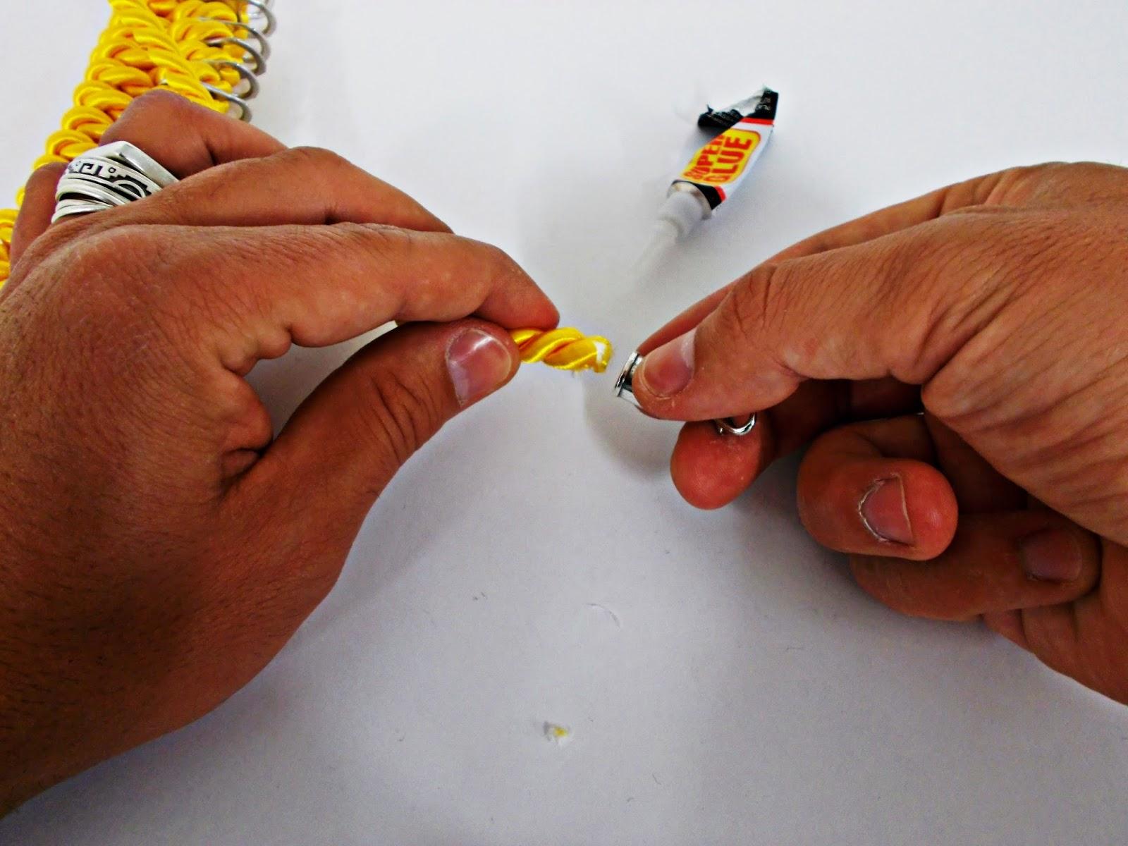 DIY-collar nudos-bisutería-hebillas refrescos-reciclar-reutilizar-8