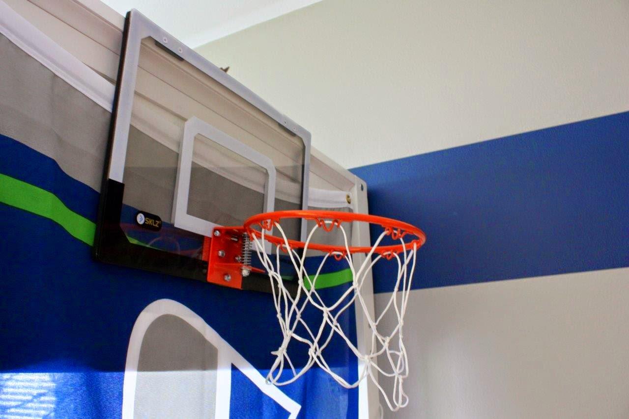 Noweli seahawks themed bedroom for Bedroom basketball hoop