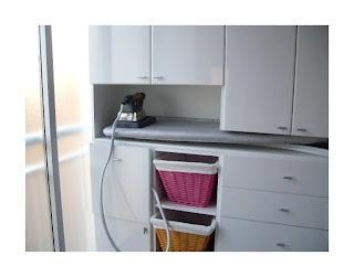 Cluberas el mueble de lara para organizar la plancha - Mueble para guardar tabla de planchar ...
