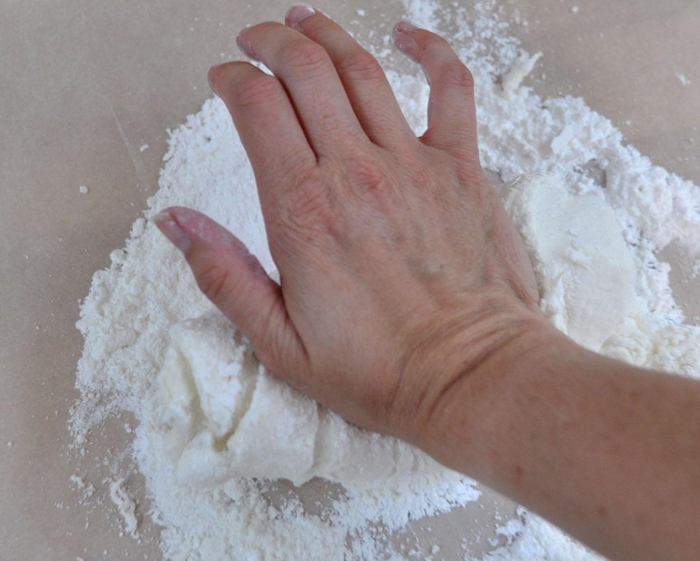 Beki Cook's Cake Blog: Homemade Rolled Fondant