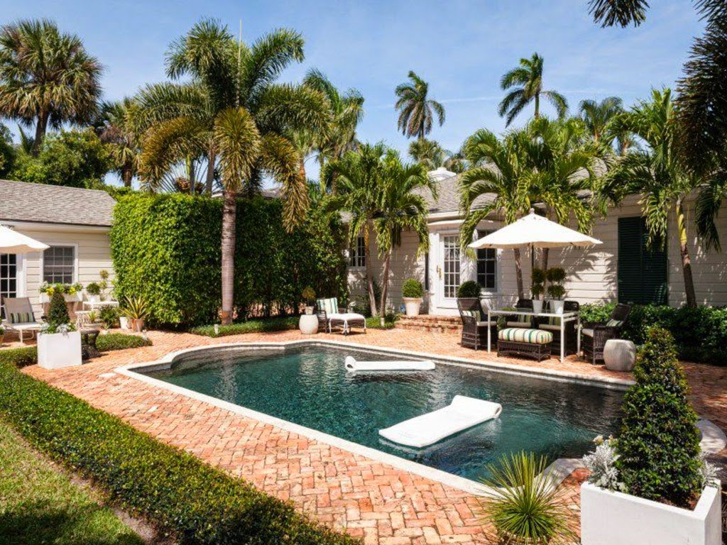 The glam pad blue and white in west palm beach - Palm beach pool ...