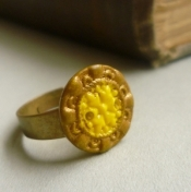 Czech Vintage Yellow Gold Ring