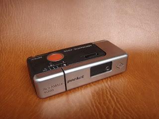 Vài em máy ảnh cổ độc cho anh em sưu tầm Yashica,Polaroid,AGFA,Canon đủ thể loại!!!