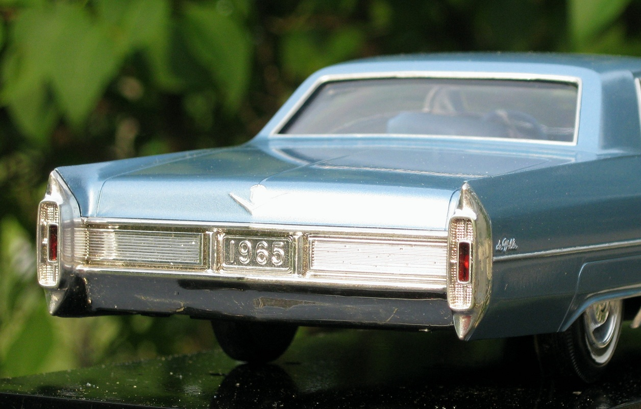 Jim's Junk!: Jo-Han's 1965 Cadillac scale model, A miniature ...