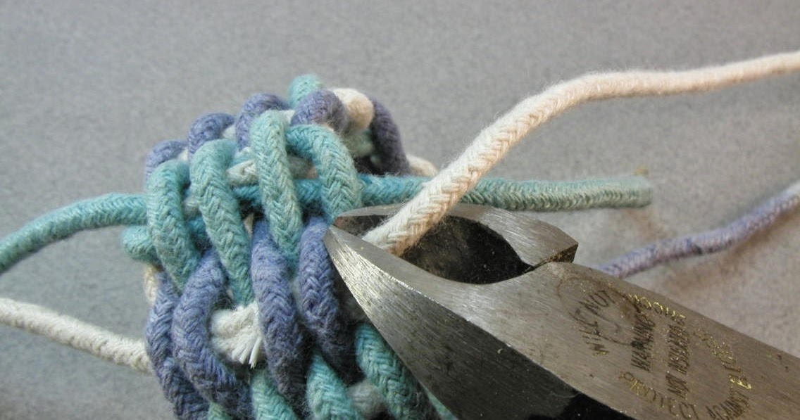 How To Weave A Basket With Rope : Knots and fiber bracelets making a basket weave rope