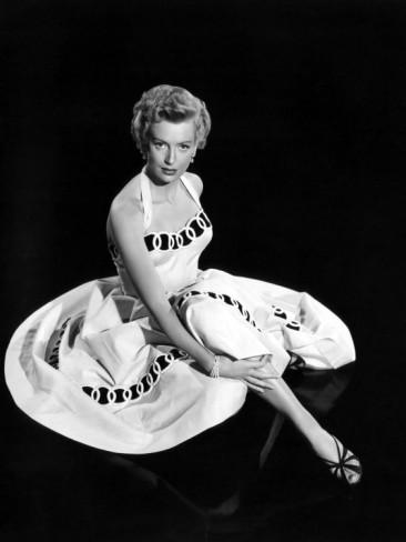 http://2.bp.blogspot.com/-oEtVjVZ8Rc4/UQS4vmwSvOI/AAAAAAAAE2o/YbKZ5rMm6RA/s1600/Deborah+Kerr+dans+From+Here+to+Eternity+(1953).jpg