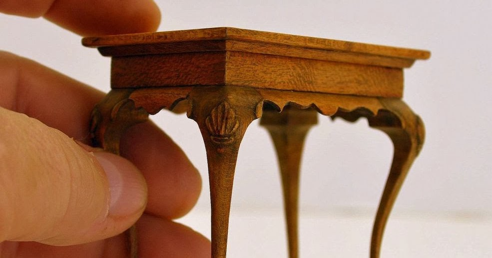 Miracle chicken tea table with ball and claw feet for Queen anne leg template