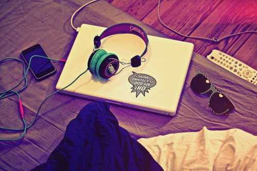 glasses ipod laptop music photography