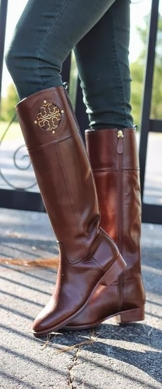 Gorgeous, Brown Leather Tory Burch Long Boot with Jeans, Style for Winter