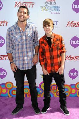 Justin Bieber com seu empresário