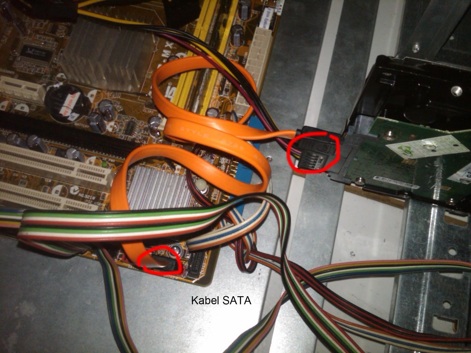 Mei 2013 Muhammad Nasir Kabel Sata Jepit 9 Memasang Komponen Pada Bus Card Adapter Yang Umum Dipasang Adalah Video Sound Network Modem Dan Scsi