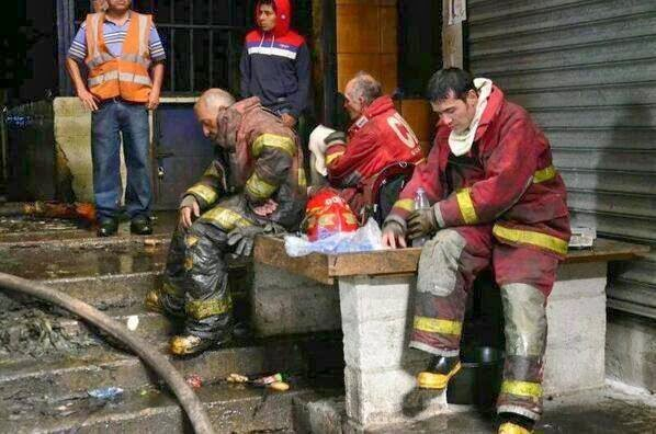Resultado de imagen de bomberos despues de incendio