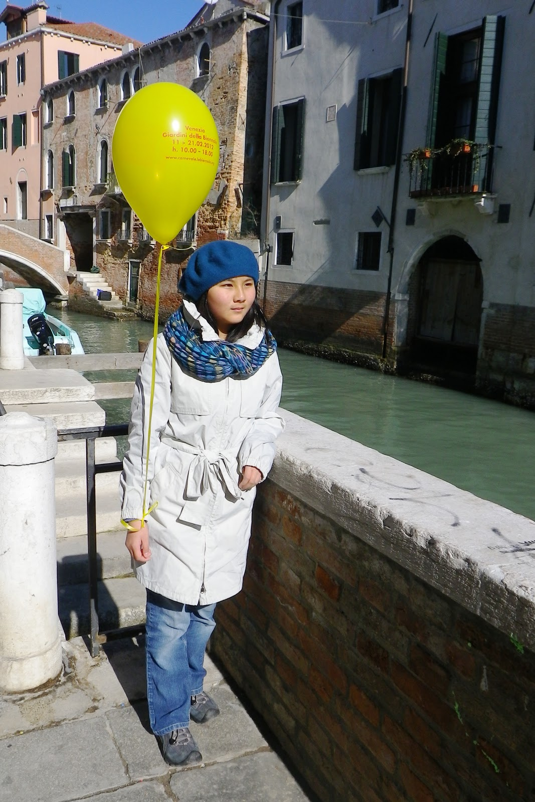 http://2.bp.blogspot.com/-oFZKVwn5_7U/T0o6JYFZRxI/AAAAAAAACnY/GNWFjIxvSuM/s1600/venice+karo+w+yellow+balloon.JPG
