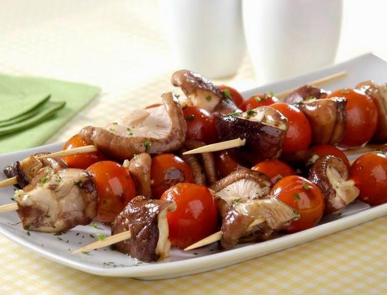 Espetinhos de Shitake e Tomate (vegana)