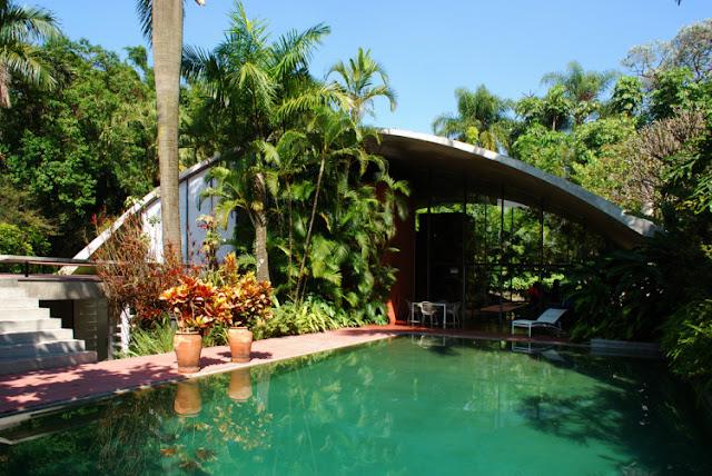 Milan Haus in Brasilien - Architektur zum luftigen Einrichten und Wohnen: Betondecke auf Stahlträgern