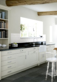 white kitchen cabinets style