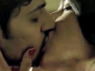 Ba pass hot kissing scene