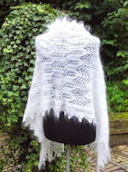 Zie bovenaan onder de titelfoto  van dit blog , voor meer sjaals.