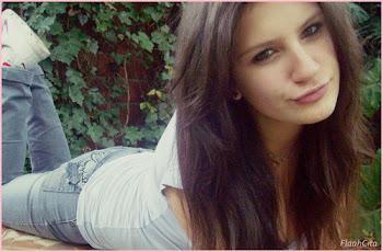y recorrer con besos tu cuerpo, lento y suave como una primera vez ~