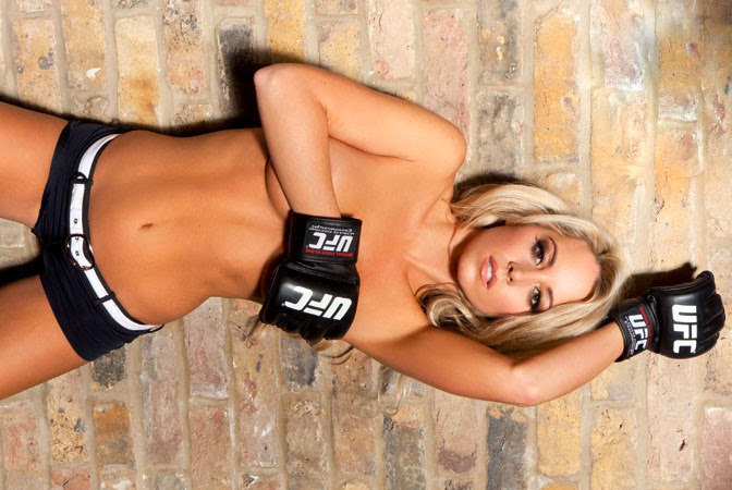 Ring girl do UFC, a inglesa Carly Baker