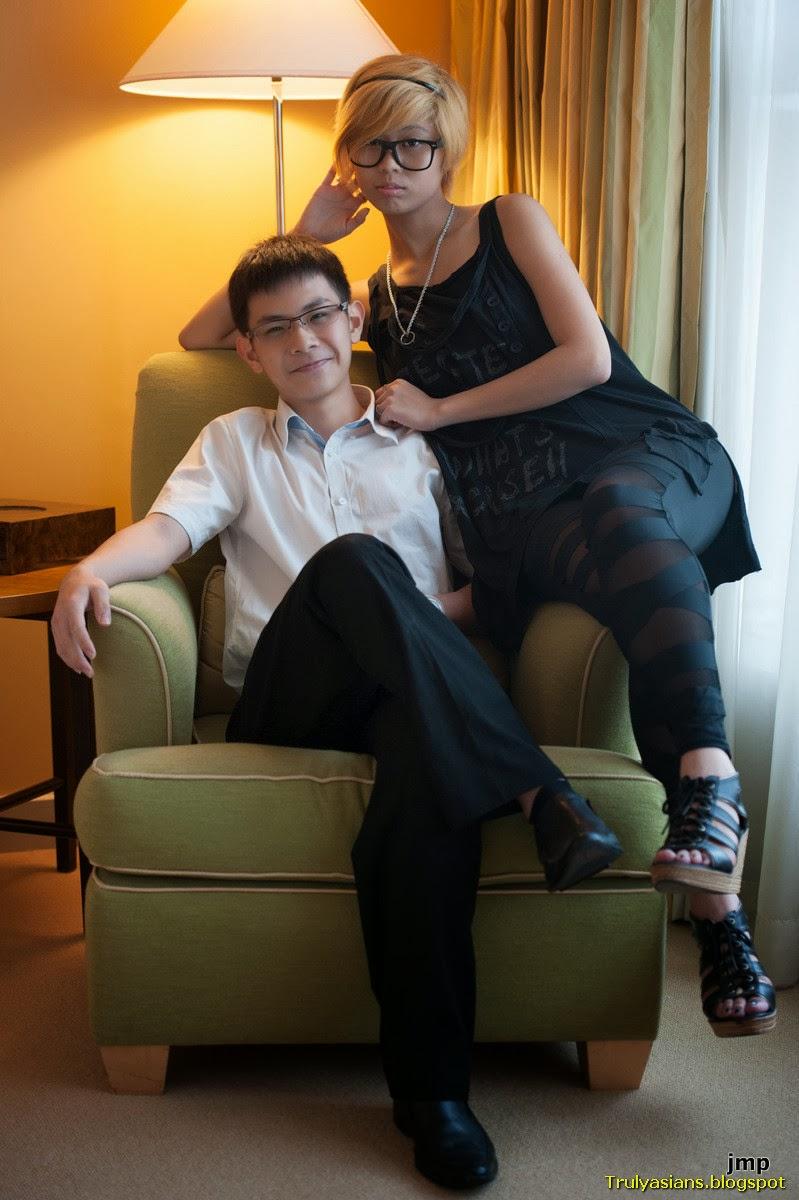 http://2.bp.blogspot.com/-oGXuhaAkJkI/UvlhnFI6qbI/AAAAAAAAOgI/H1RWy0SrFIY/s1600/trulyasians.blogspot+-++Singapore+Model+Casey+Sex+shot+with+BF+001.jpg
