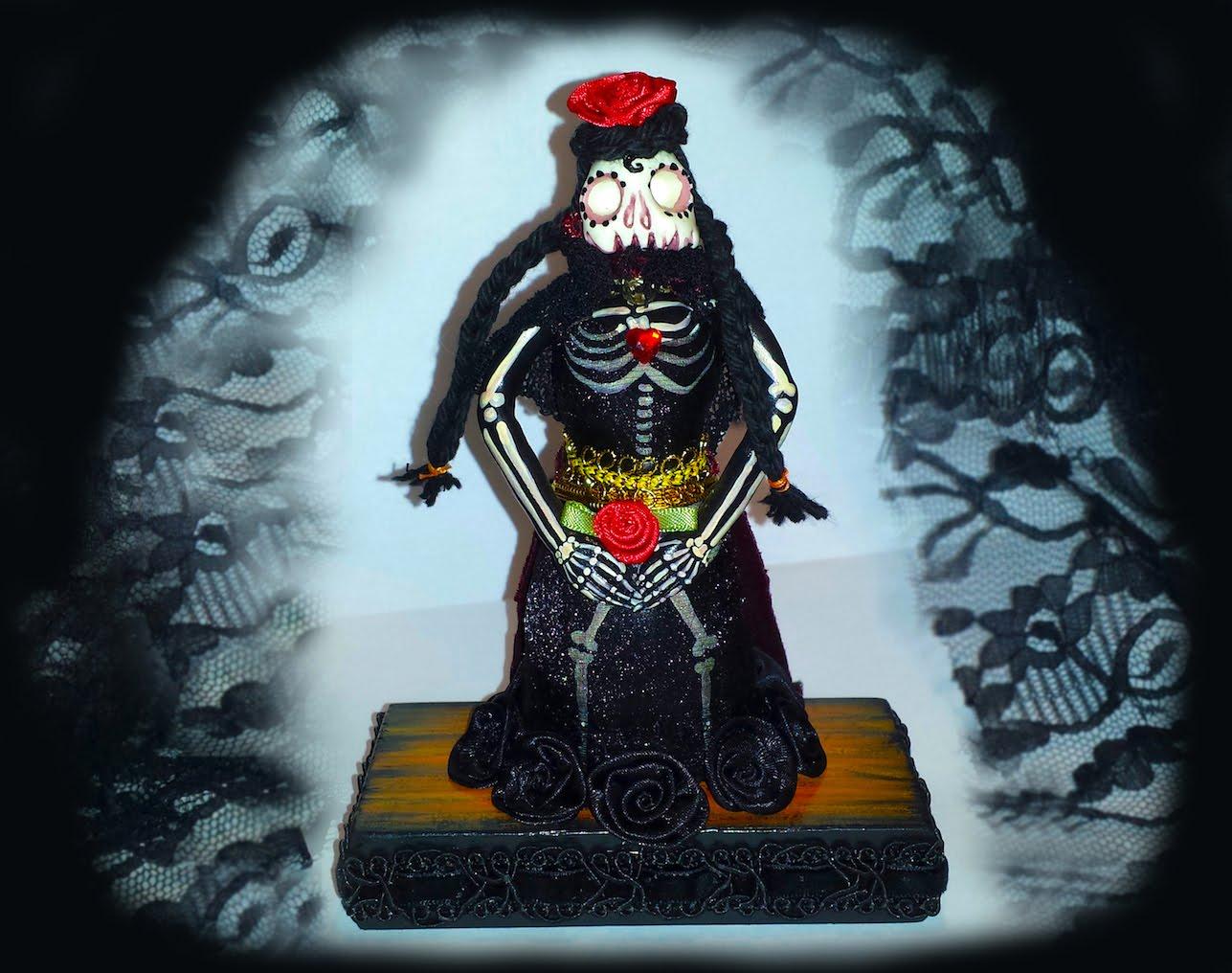La Madame de La Morte - Santa Muerta