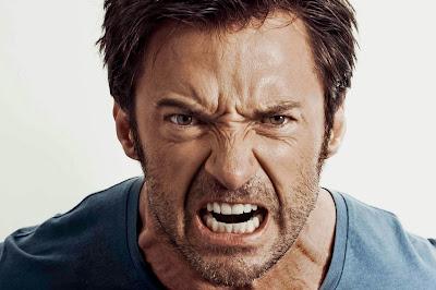"""Hugh Jackman está conversando sobre o terceiro filme de """"Wolverine""""."""