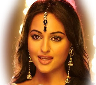 Sonakshi Sinha Maang Tikka in black dress