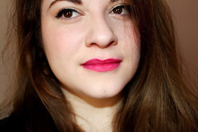 Rouge à lèvres liquide sombre kiko