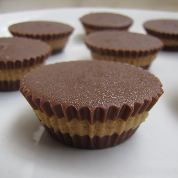 Super Yummy Recipes: Irresistible Peanut Butter Cups
