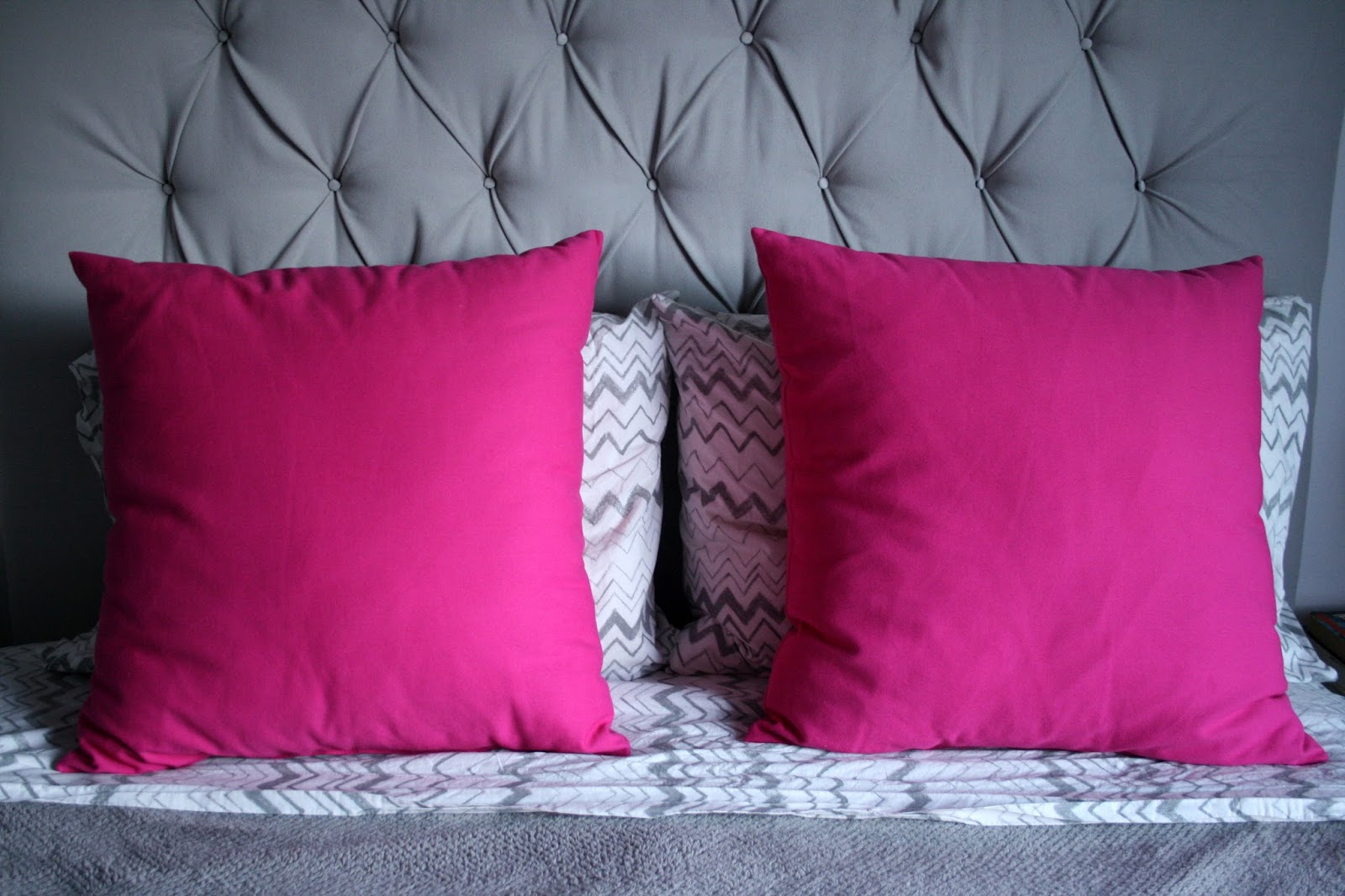 New hot pink bed pillows, and a styling dilemma / Create / Enjoy