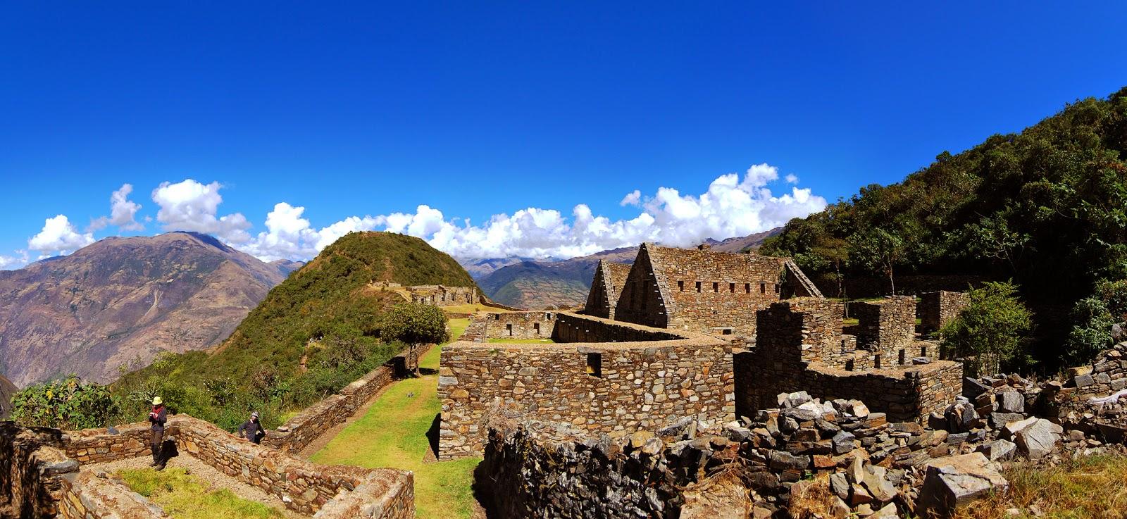 Paisajes espectaculares en las ruinas de Choquequirao en Perú