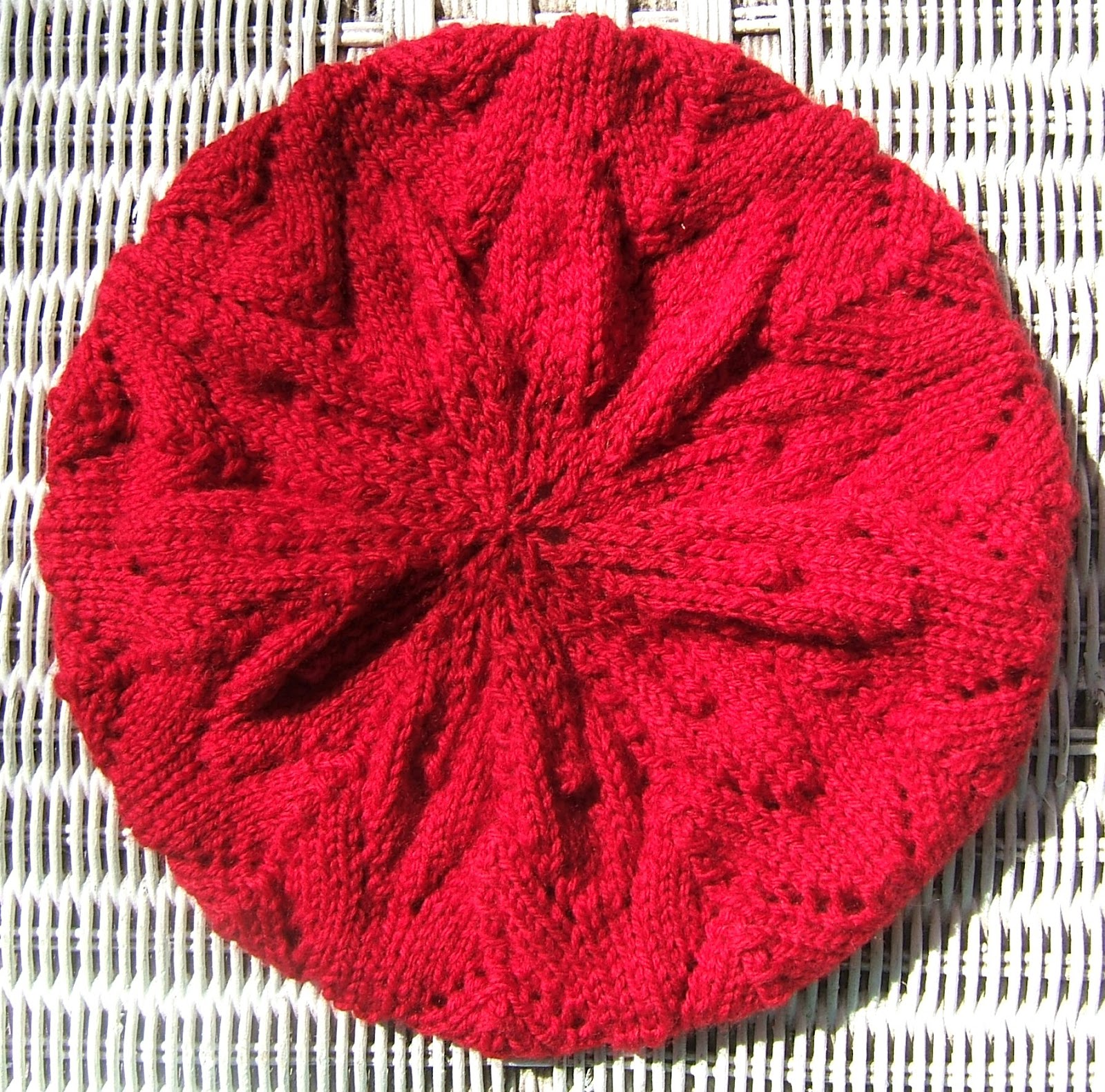 Aussie knitting threads the red beret just finished this lace beret for my daughter and it was time consuming but not difficult this was the basic pattern meret beret with some variations bankloansurffo Images
