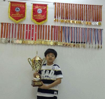 Nguyễn Anh Khôi và bộ huy chương