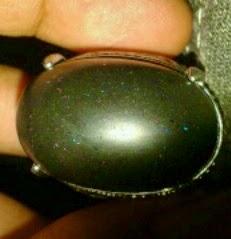 minyak batu black opal