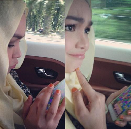 Aksi gedik Datuk Siti Nurhaliza minum cendol , artis, penyanyi tersohor negara, hiburan, gambar terkini Datuk Siti Nurhaliza