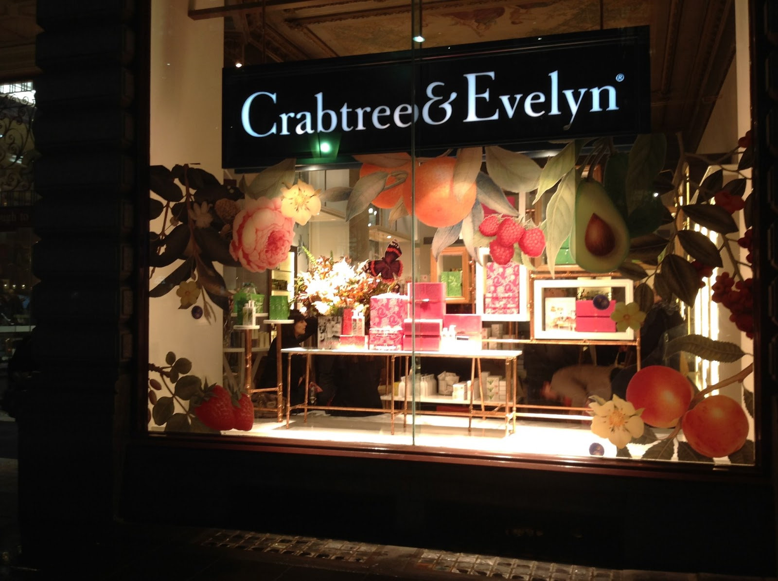 event crabtree evelyn opening of new flagship store the block arcade melbourne the beauty. Black Bedroom Furniture Sets. Home Design Ideas