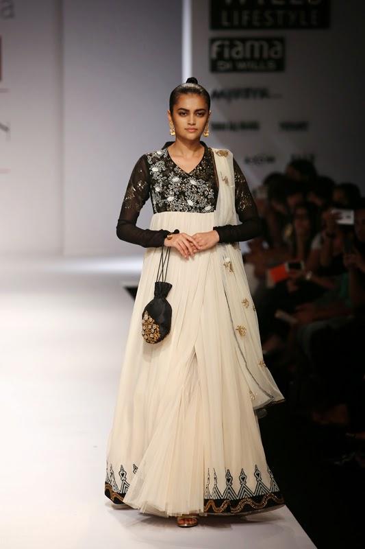 Fashion: Joy Mitra Collection at Wills Lifestyle India Fashion Week 15