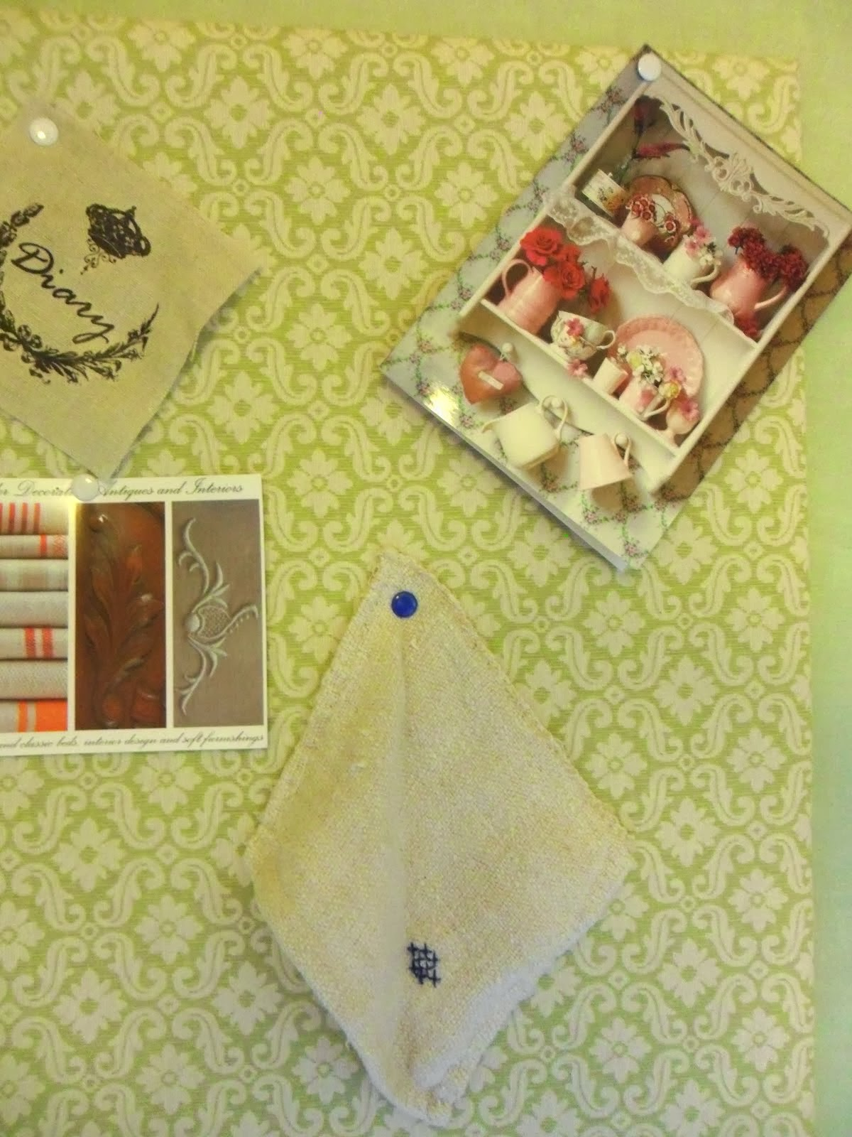 How to make a fabric-covered pin board