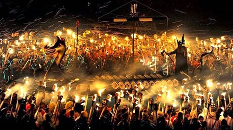 Up Helly Aa - Ένα πολύ εντυπωσιακό Φεστιβάλ στα νησιά Σέτλαντ - Σκωτία.