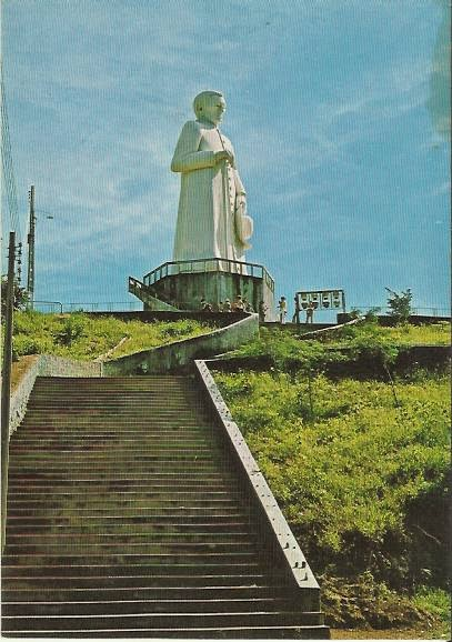 Estátua do Pe. Cícero em postal antigo.