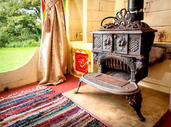 Wanderlust: Glamping in Europe | Rosie Gyspsy Wagon (Cornwall, United Kingdom)