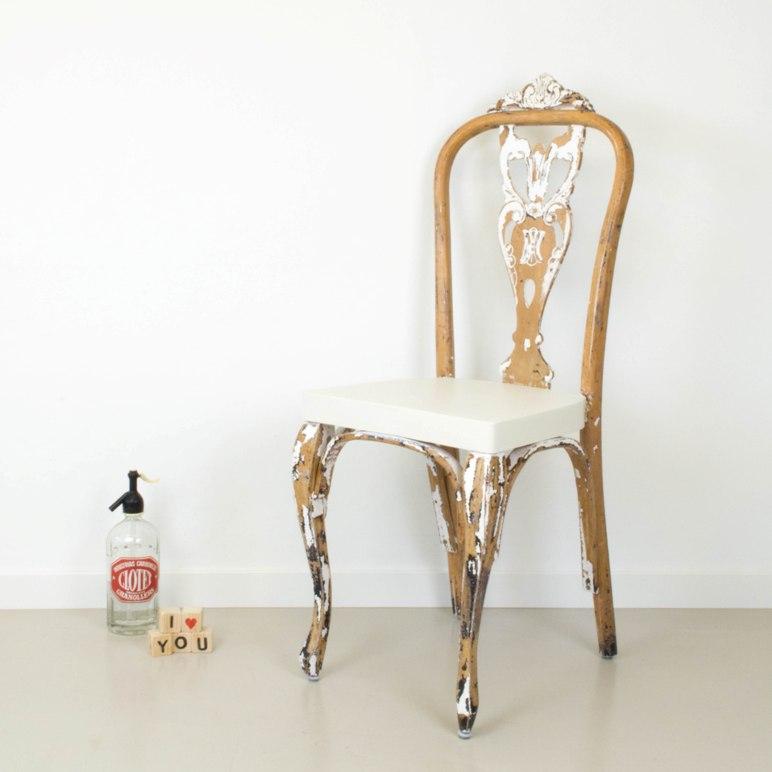 [DIY] Volver al origen: transformar una silla quitando pintura