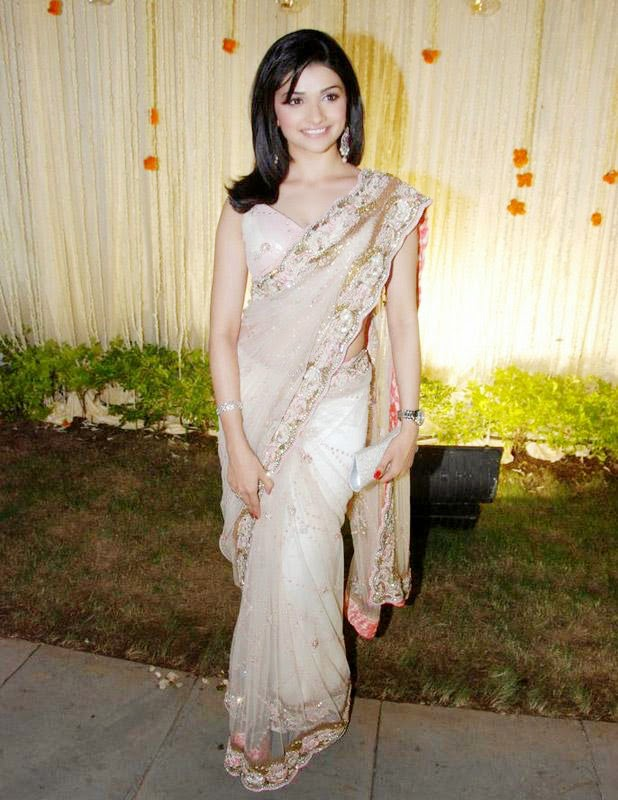 Prachi Desai Hot HD Wallpapers 2014