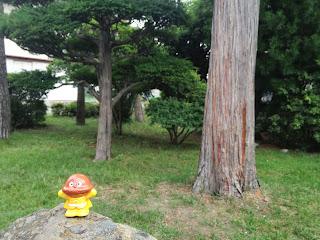 カレーパンマンと公園 Curry bread man in the park.