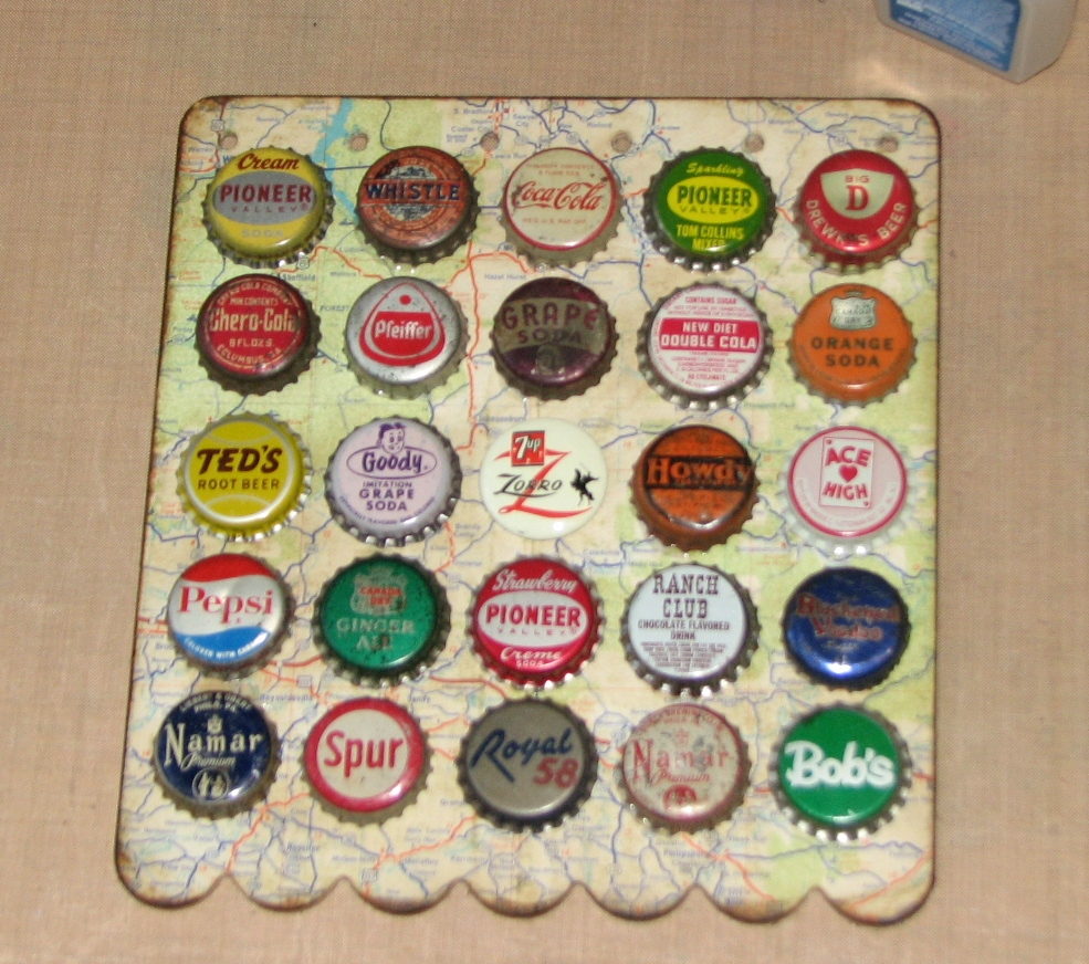 Ink stains vintage bottle cap wire hanger for Bottle cap wall