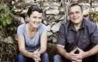 Helga König und Peter J. König im Gespräch mit  Regina und Günter Triebaumer/  Rust Neusiedler See