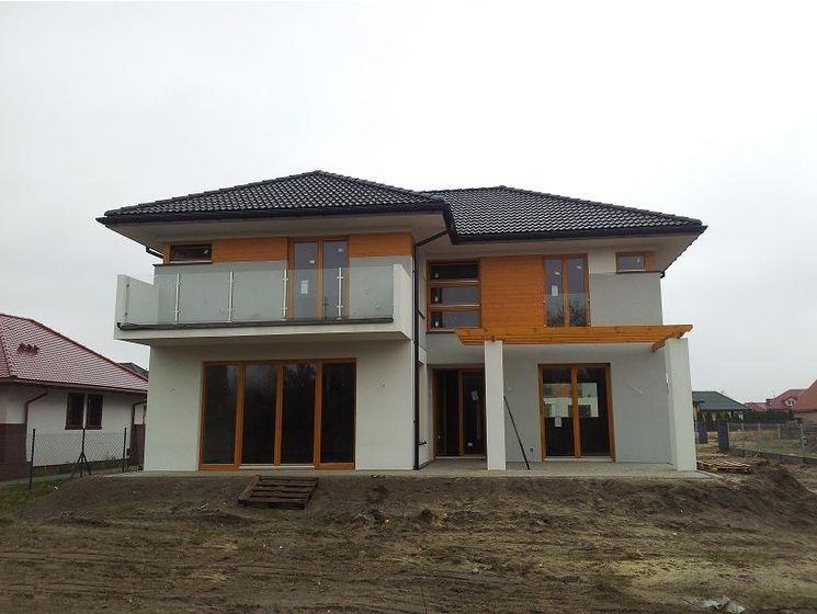 Elewacje Zuzzy: Grafitowy dach złoty dąb okna cz.5