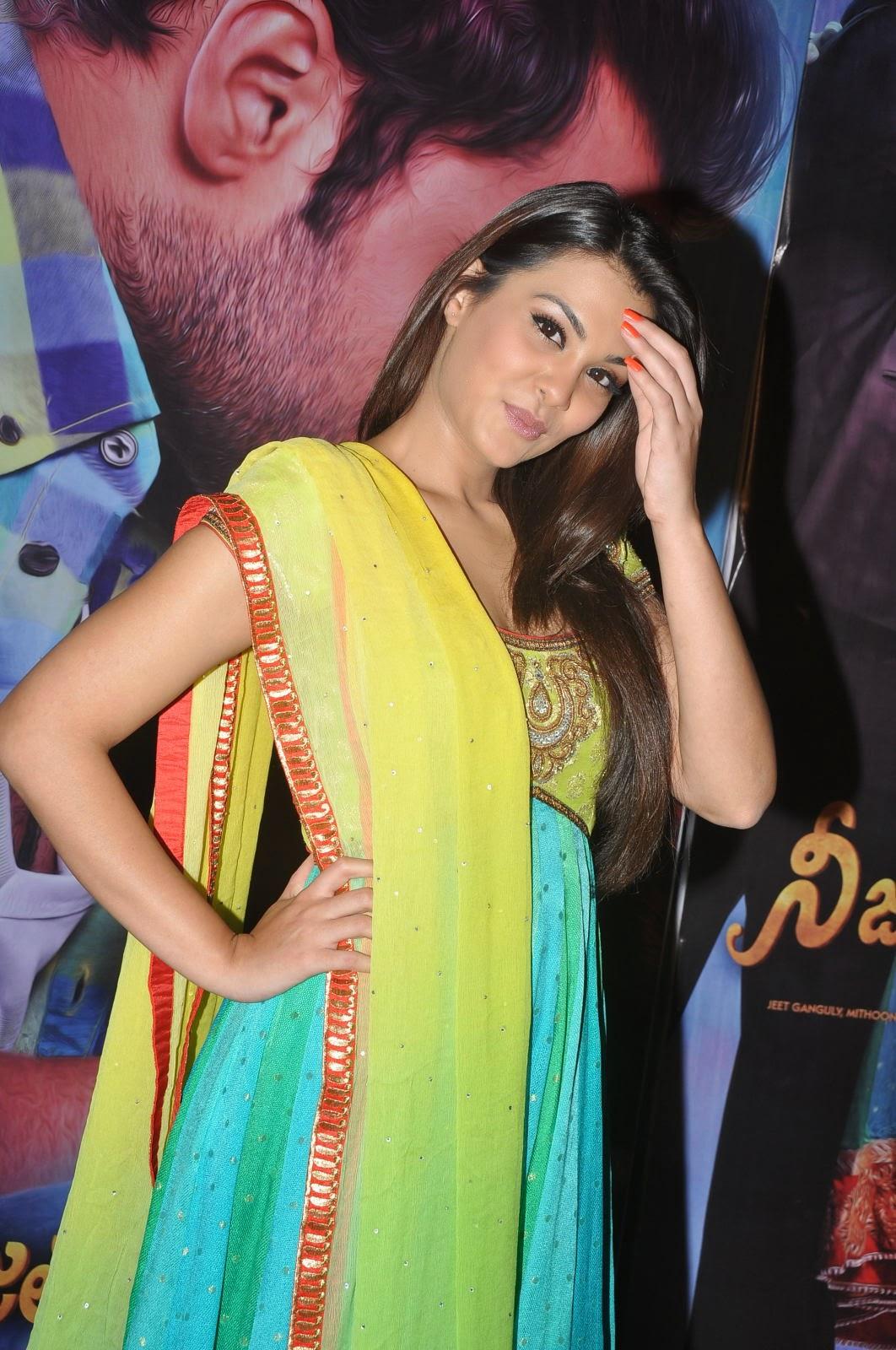 Nazia hussain latest glam pics-HQ-Photo-9