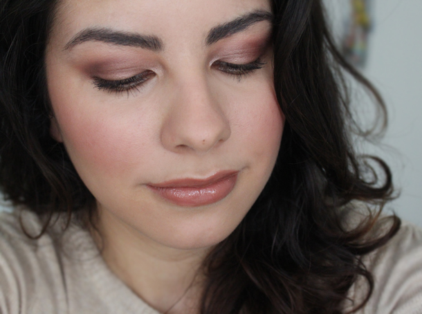 rose mauve makeup look using mac coastal scents mug